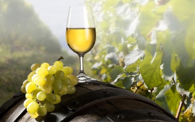 chardonnay-white-wine-650x406